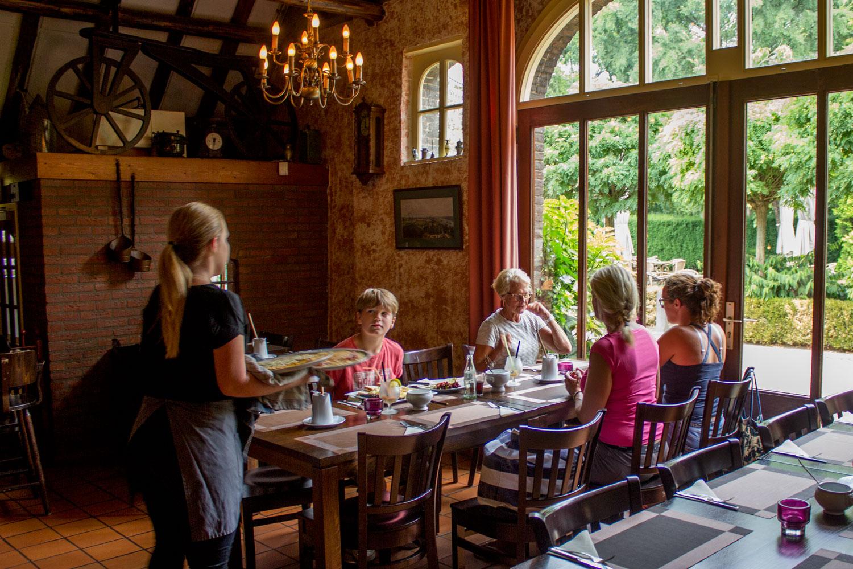 restaurant-binnen-desteenencamer